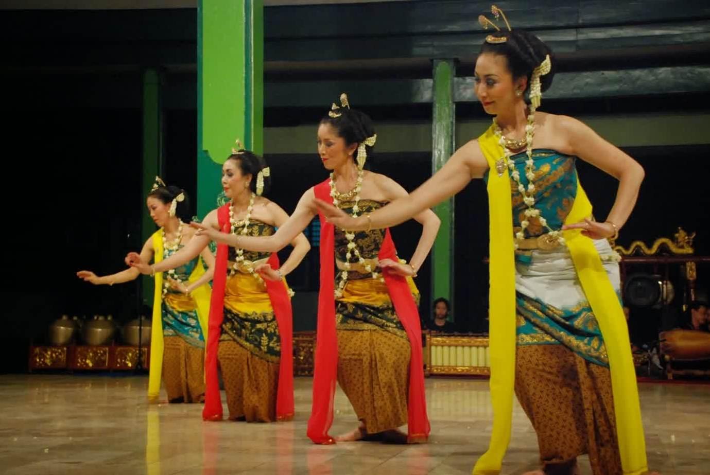 budaya khas suku bangsa jawa tengah